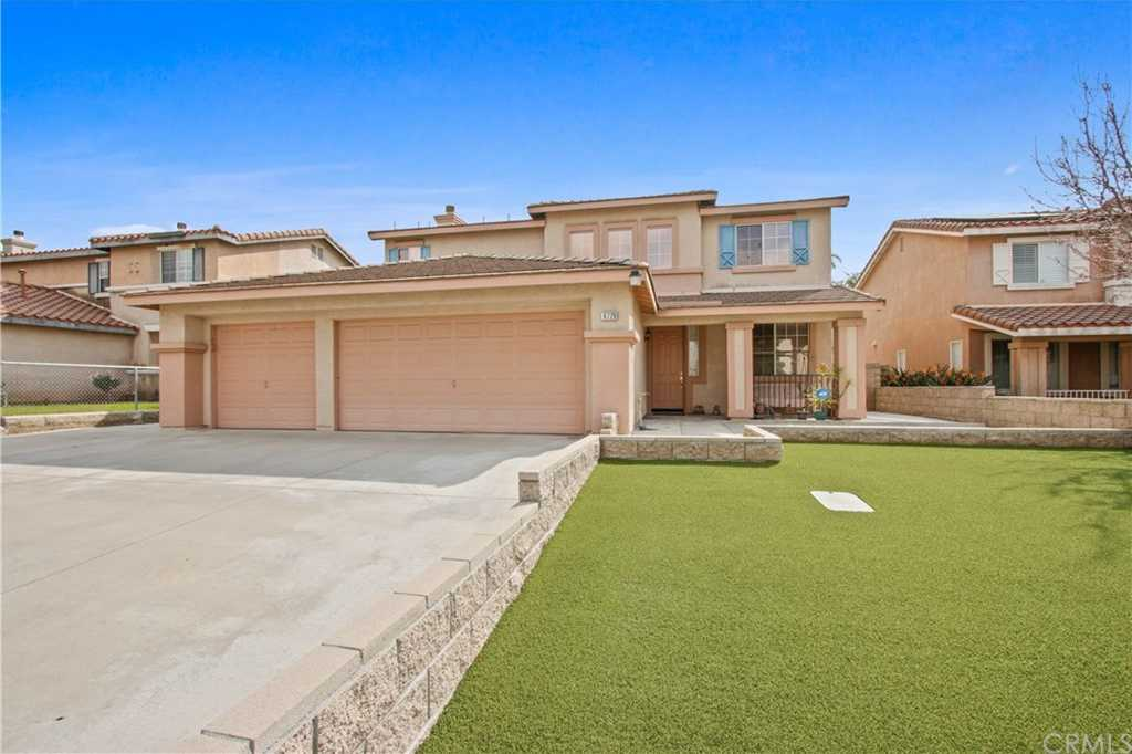 $510,000 - 5Br/3Ba -  for Sale in Fontana