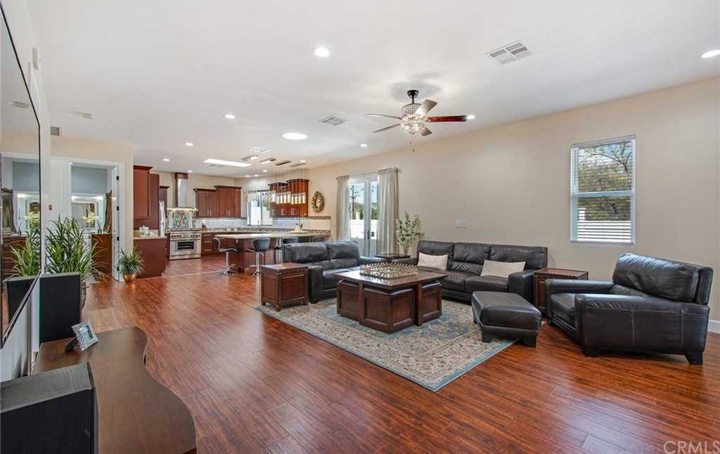 $1,349,000 - 4Br/3Ba -  for Sale in Torrance