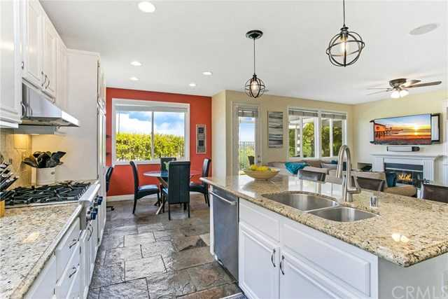 3 Grassy Knoll Ln Rancho Santa Margarita, CA 92688