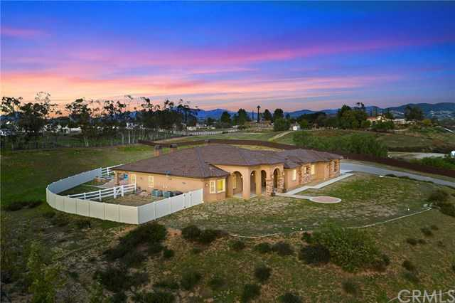 $1,525,000 - 4Br/5Ba -  for Sale in Temecula