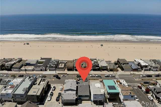 $4,100,000 - 3Br/3Ba -  for Sale in Hermosa Beach