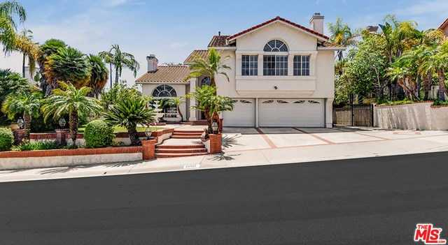 $1,200,000 - 4Br/3Ba -  for Sale in Yorba Linda