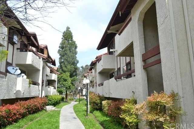 $325,000 - 2Br/2Ba -  for Sale in Canyon Country