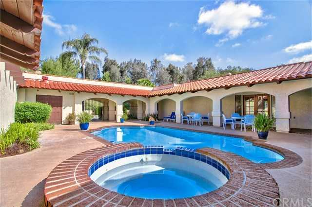 $1,195,000 - 4Br/4Ba -  for Sale in Temecula