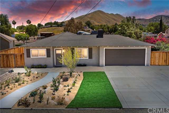 $589,000 - 3Br/3Ba -  for Sale in Norco