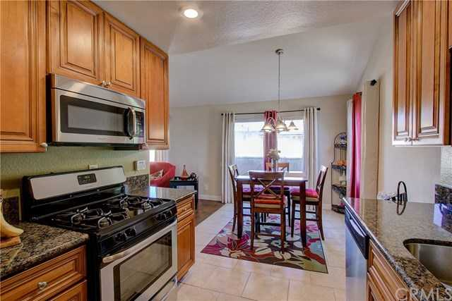 $383,000 - 2Br/2Ba -  for Sale in Gardena