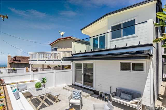 $1,655,000 - 3Br/2Ba -  for Sale in Hermosa Beach