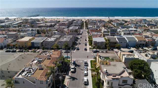 $3,000,000 - 5Br/3Ba -  for Sale in Hermosa Beach