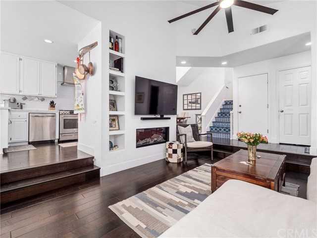$1,649,000 - 3Br/3Ba -  for Sale in Manhattan Beach