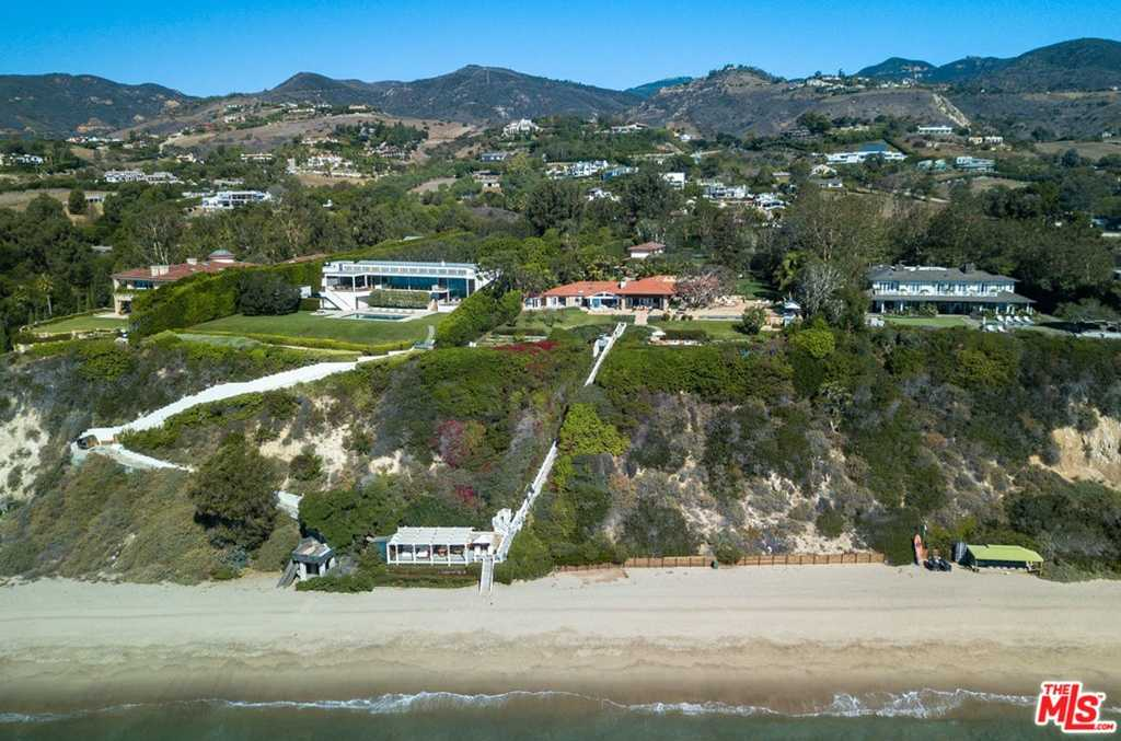 $125,000,000 - 7Br/10Ba -  for Sale in Malibu