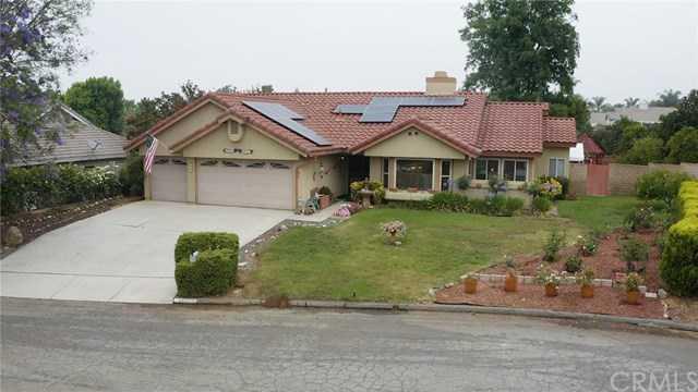 2621 Groveland St Riverside, CA 92503
