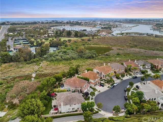 $2,795,000 - 4Br/4Ba -  for Sale in Harbor Cove Palisades (hcps), Newport Beach