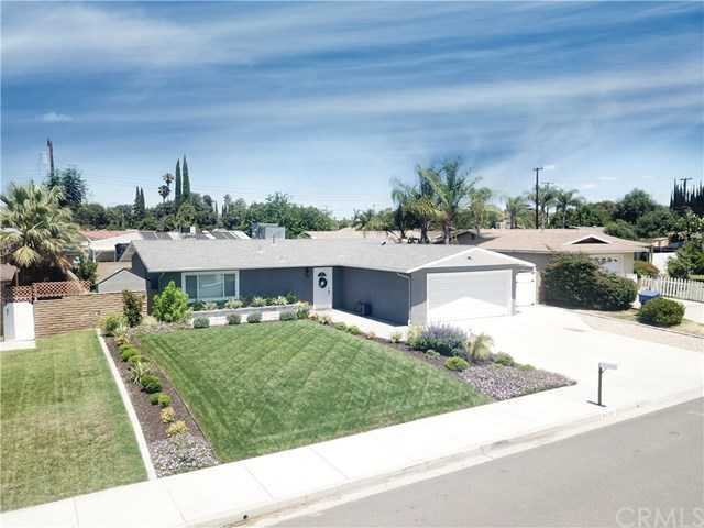 3237 Layton Court Riverside, CA 92503