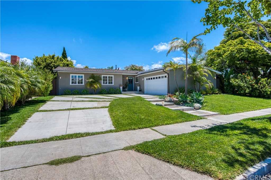 $1,875,000 - 4Br/2Ba -  for Sale in Harbor Highlands Ii (hh02), Newport Beach