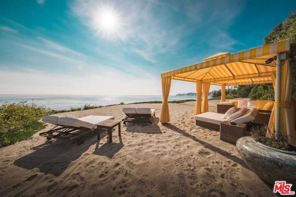 $115,000,000 - 12Br/14Ba -  for Sale in Malibu