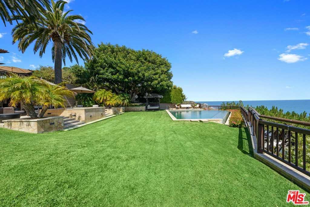 $65,000,000 - 5Br/8Ba -  for Sale in Malibu