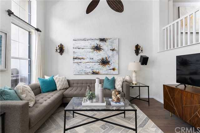 $699,500 - 2Br/3Ba -  for Sale in Irvine