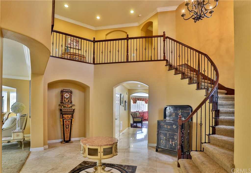 $1,080,000 - 5Br/6Ba -  for Sale in Corona