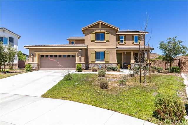 $425,000 - 4Br/3Ba -  for Sale in Menifee
