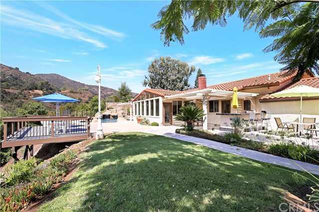$1,195,000 - 3Br/3Ba -  for Sale in Corona