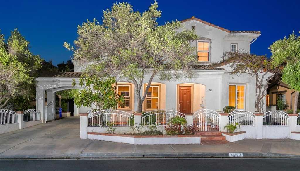 $1,768,000 - 5Br/5Ba -  for Sale in Carmel Valley, San Diego