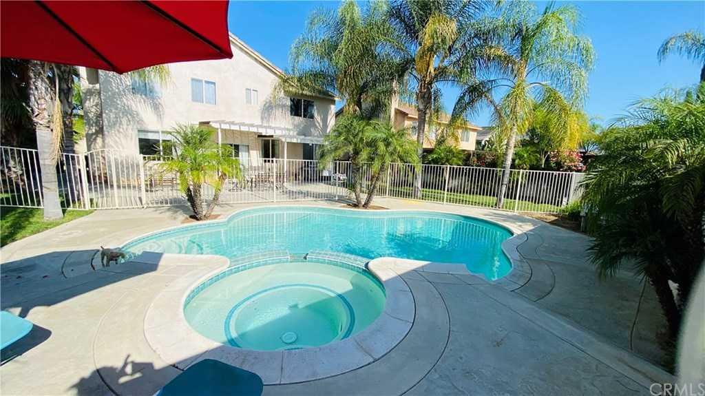 $575,000 - 4Br/3Ba -  for Sale in Riverside