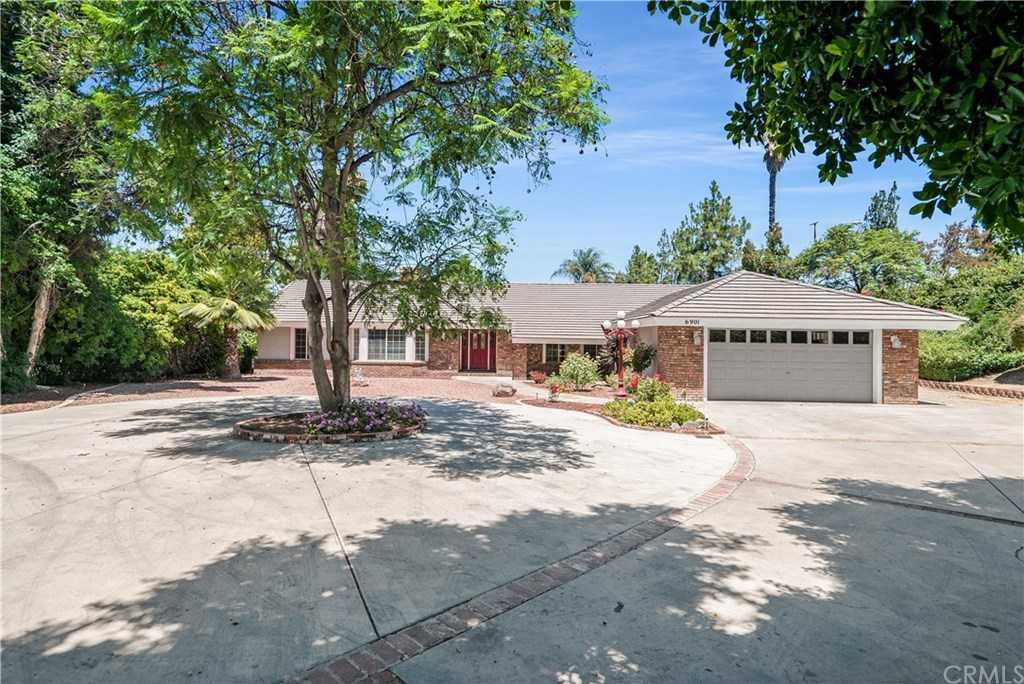 $799,900 - 4Br/3Ba -  for Sale in Riverside