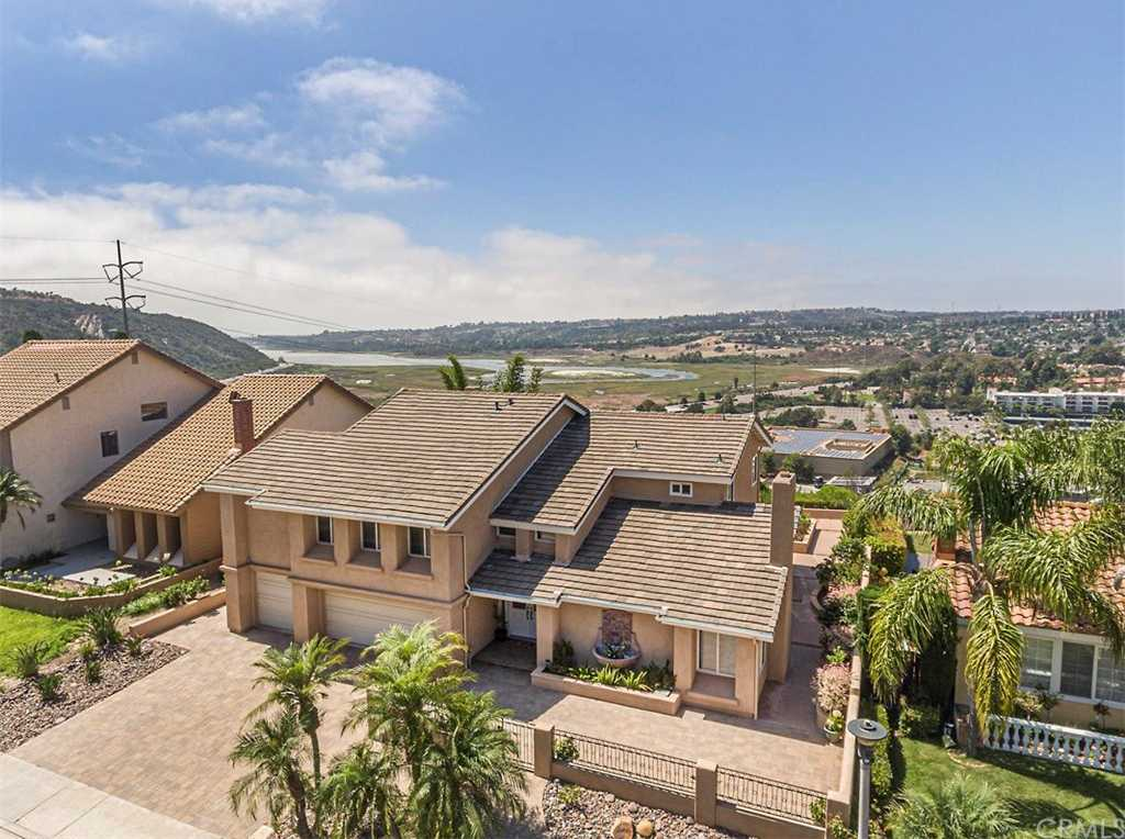 $1,280,000 - 5Br/4Ba -  for Sale in Carlsbad