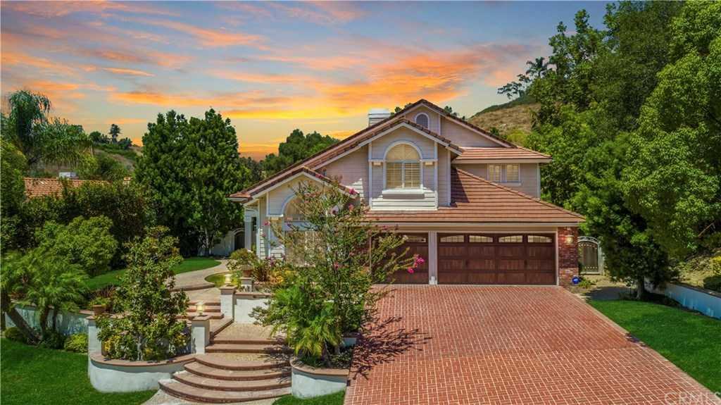 25481 Nottingham Court Laguna Hills, CA 92653