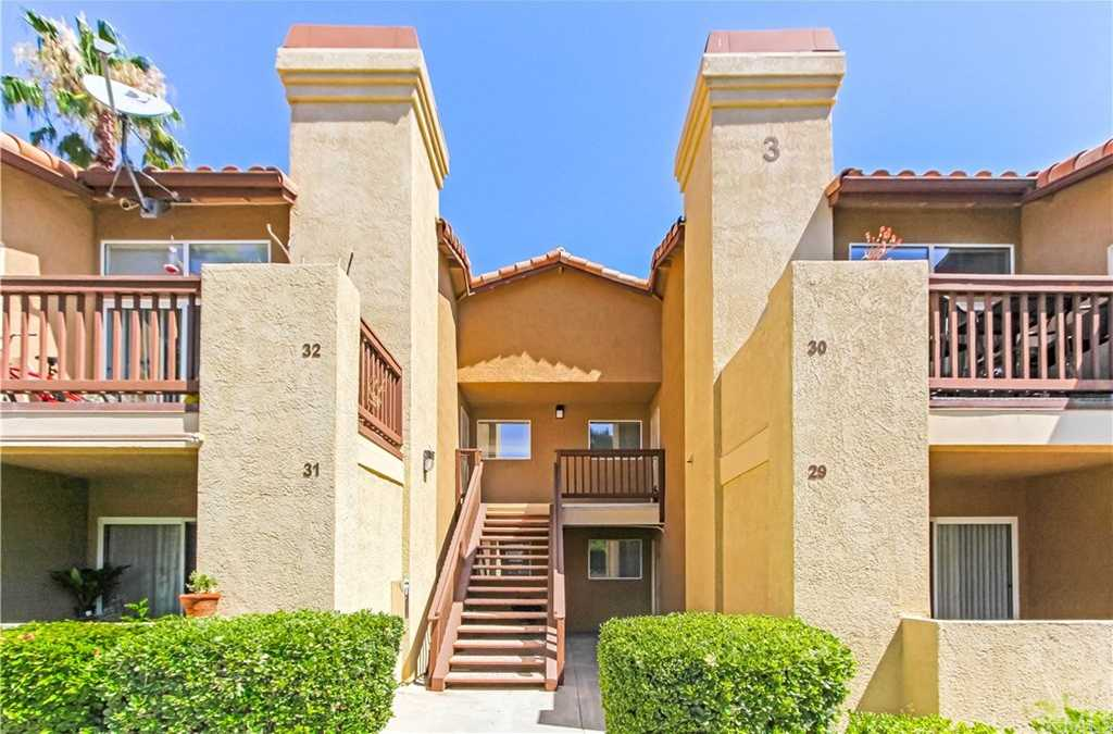 $249,900 - 2Br/2Ba -  for Sale in Temecula
