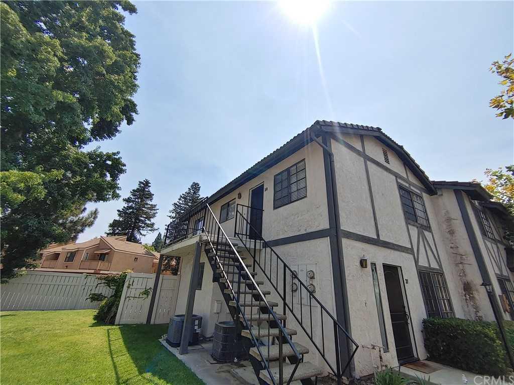 1013 W Linden Street Unit 28 Riverside, CA 92507