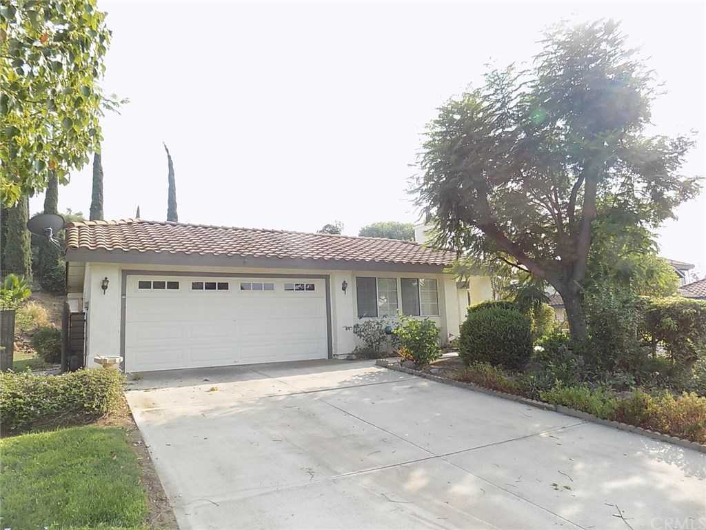 $475,000 - 4Br/2Ba -  for Sale in Riverside