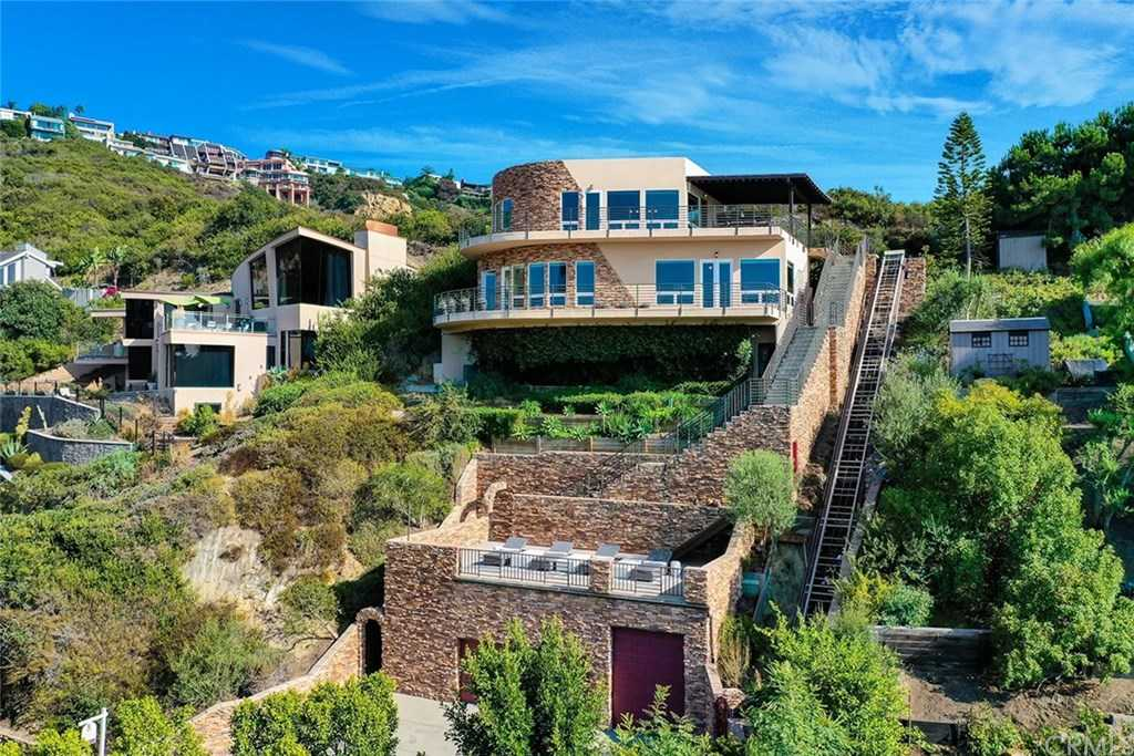 $2,295,000 - 3Br/5Ba -  for Sale in Upper Diamond (ud), Laguna Beach