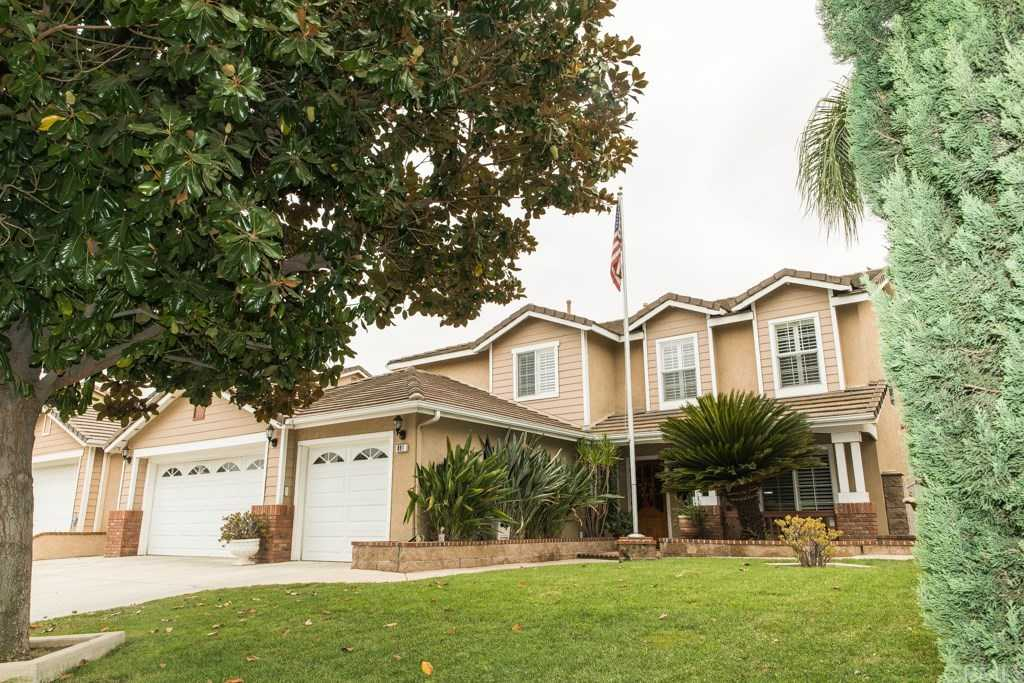 $562,500 - 4Br/3Ba -  for Sale in Riverside