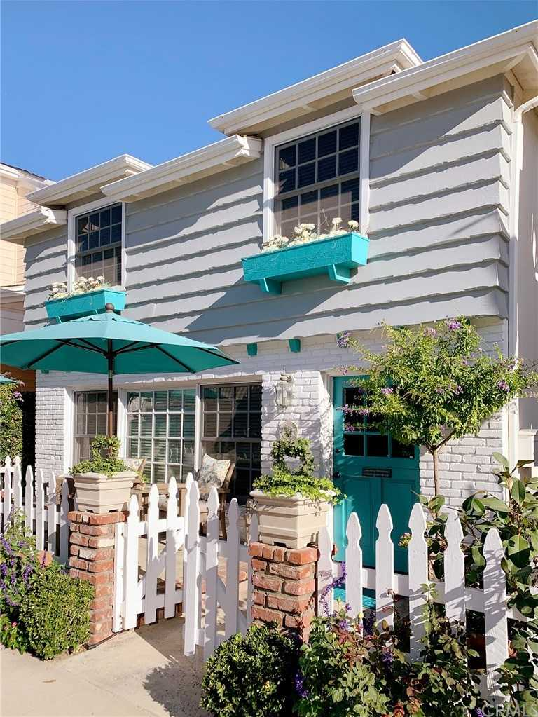 $2,515,000 - 4Br/3Ba -  for Sale in Balboa Island - Main Island (balm), Newport Beach