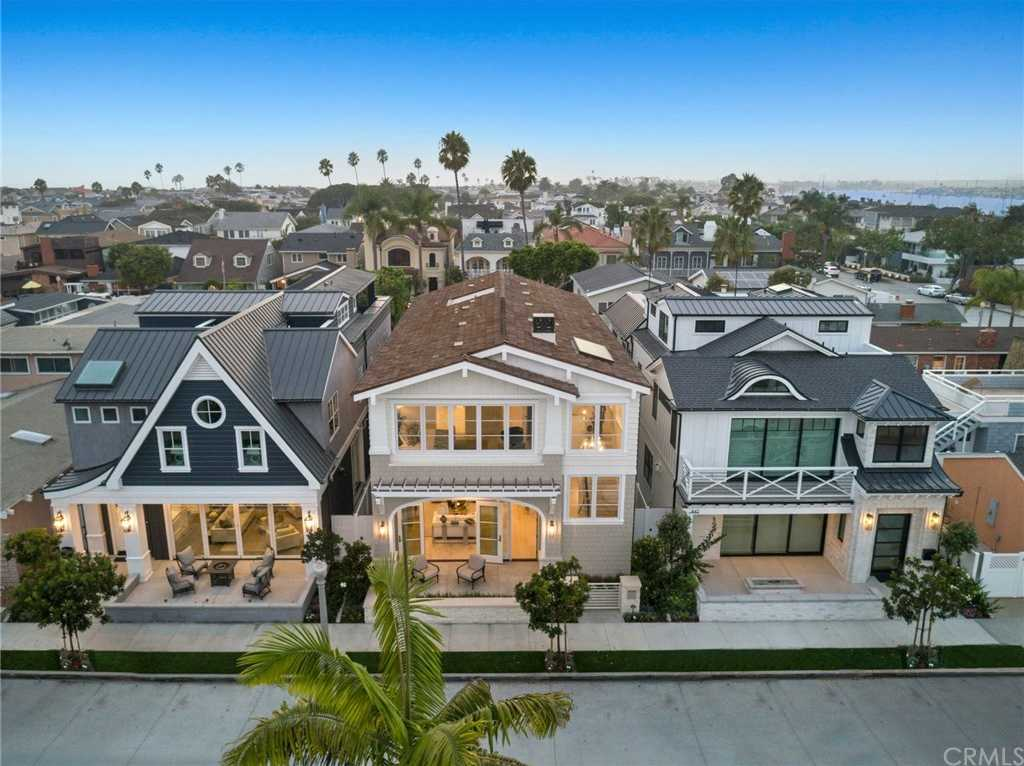 $4,450,000 - 4Br/4Ba -  for Sale in Balboa Peninsula Point (blpp), Newport Beach
