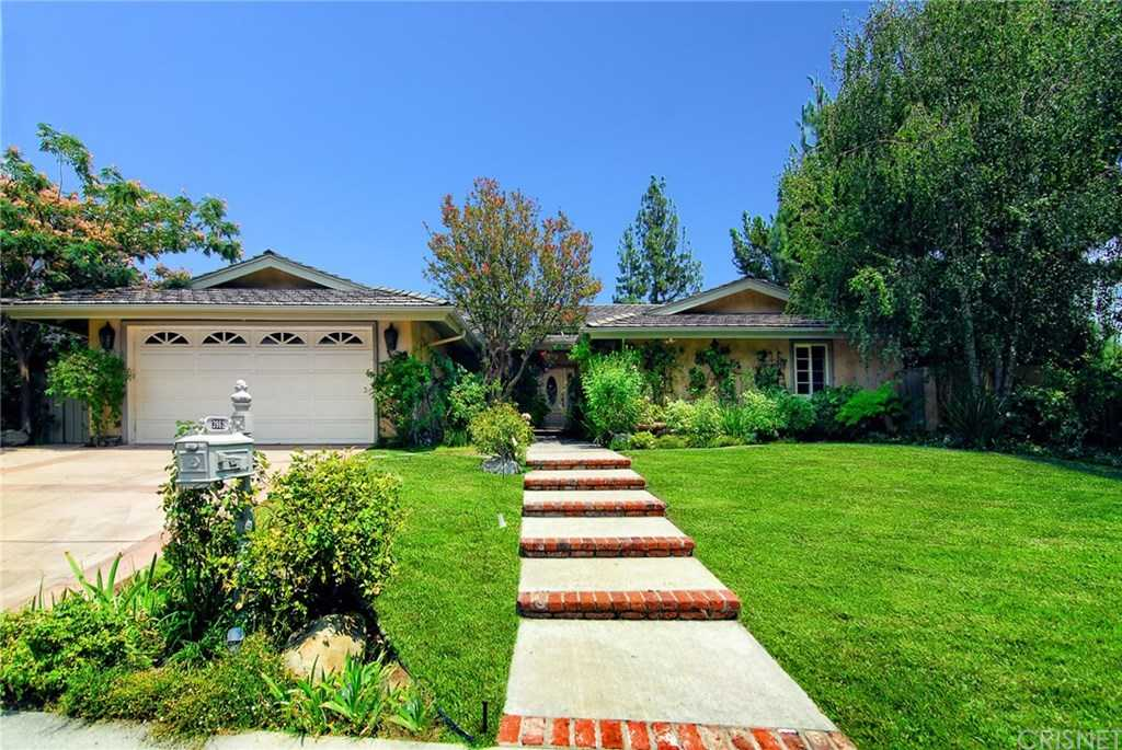 $1,599,000 - 4Br/3Ba -  for Sale in Tarzana