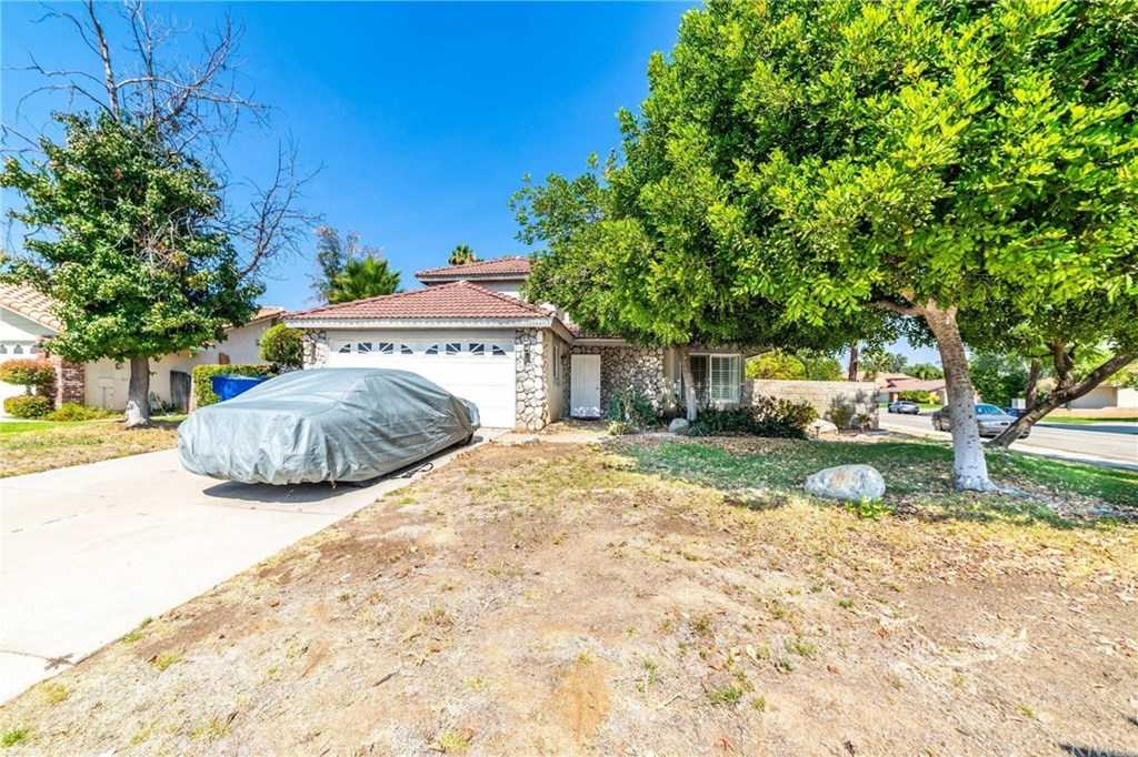 $465,000 - 4Br/3Ba -  for Sale in Riverside