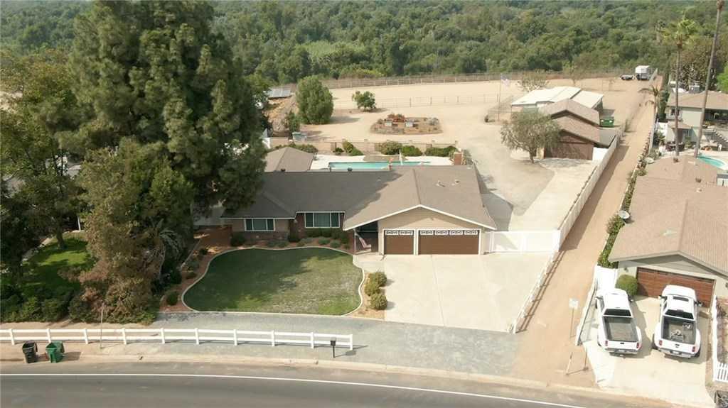 3653 Vine Avenue Norco, CA 92860