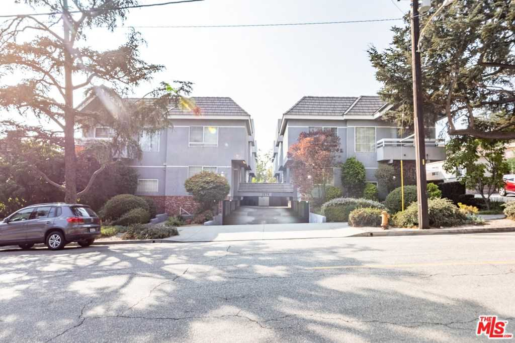 $799,000 - 3Br/3Ba -  for Sale in Montrose