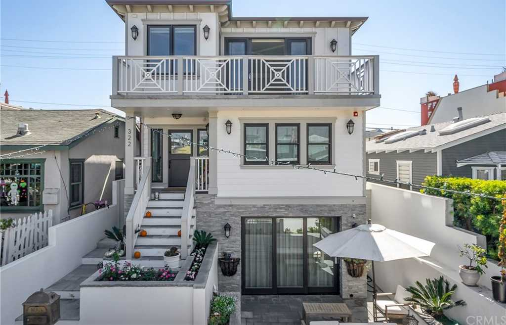 $30,000 - 4Br/5Ba -  for Sale in Hermosa Beach