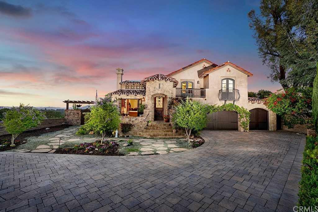 $1,999,999 - 3Br/3Ba -  for Sale in Mission Viejo