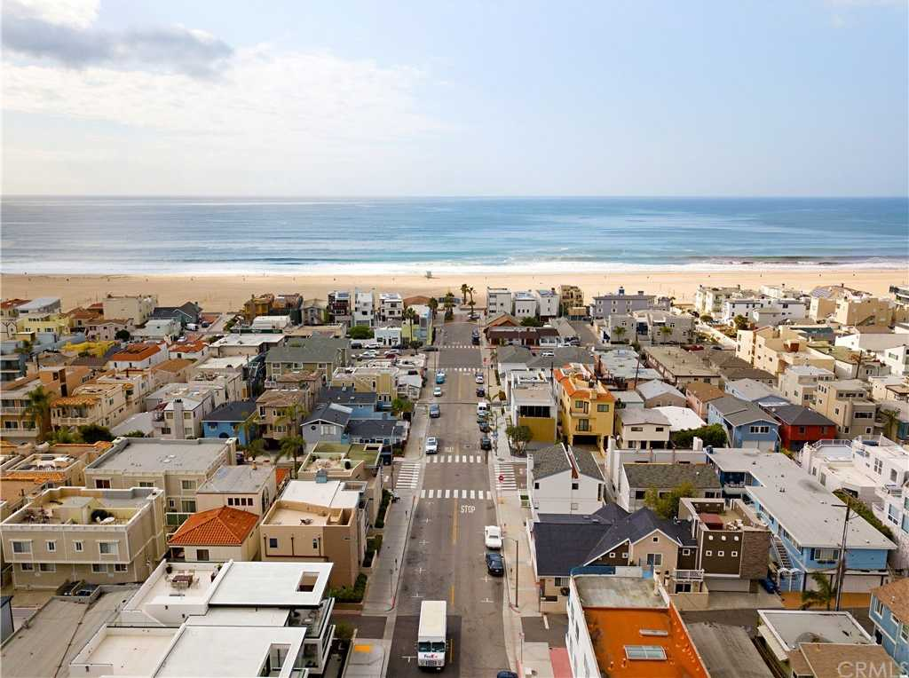 $2,850,000 - 4Br/4Ba -  for Sale in Hermosa Beach