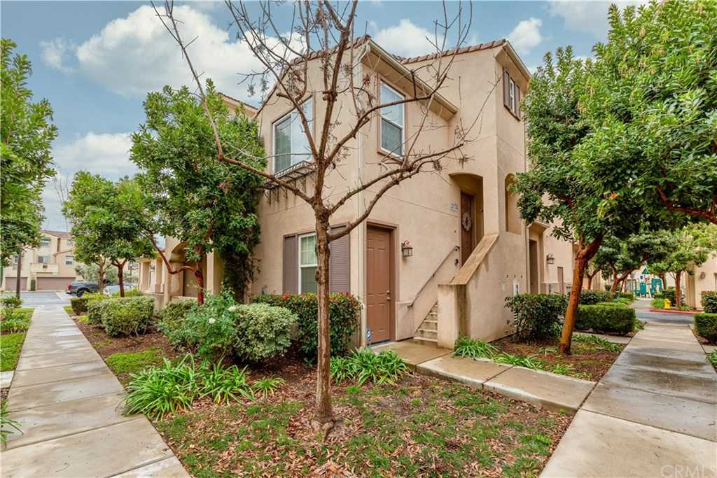 $385,000 - 3Br/4Ba -  for Sale in Temecula