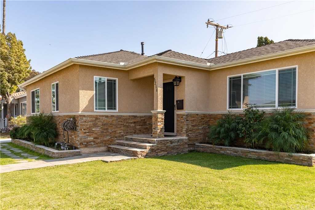 $899,000 - 3Br/1Ba -  for Sale in Hawthorne