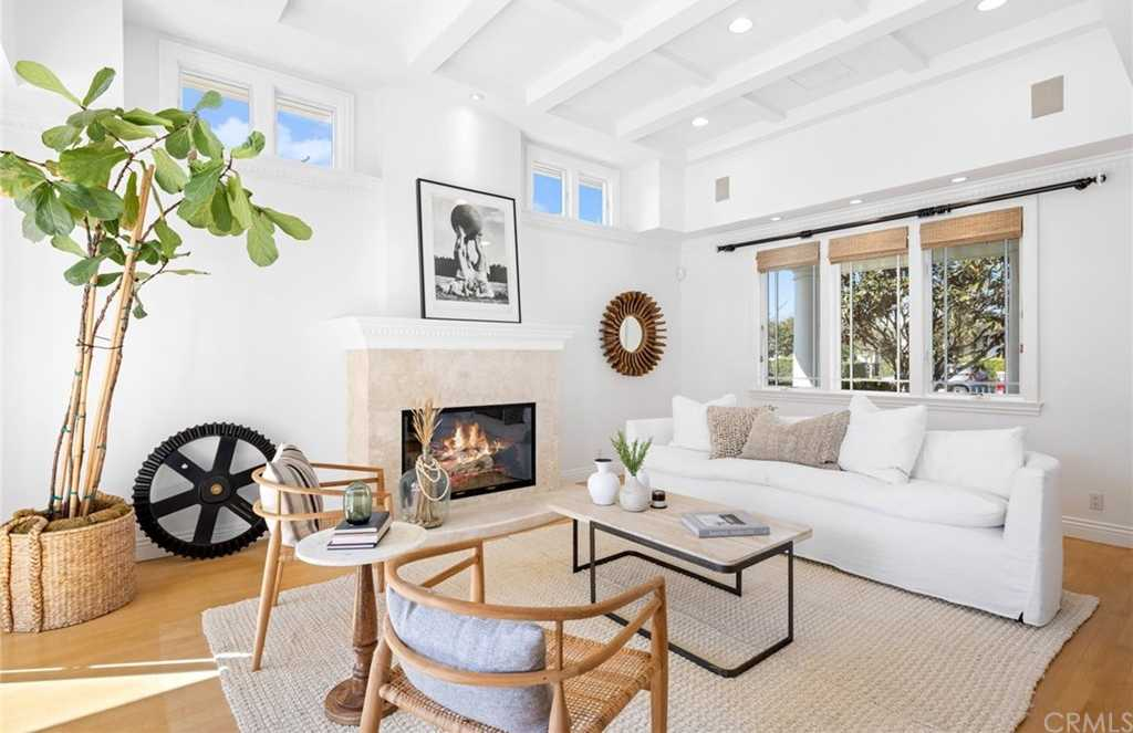 $2,795,000 - 4Br/3Ba -  for Sale in Newport Beach