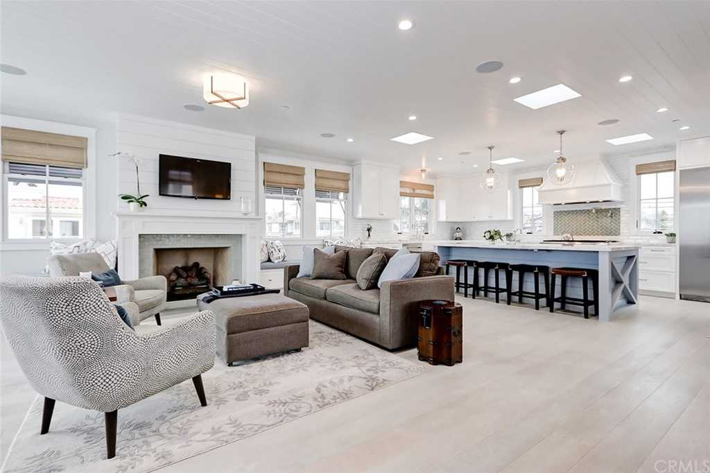 $4,495,000 - 4Br/4Ba -  for Sale in Manhattan Beach