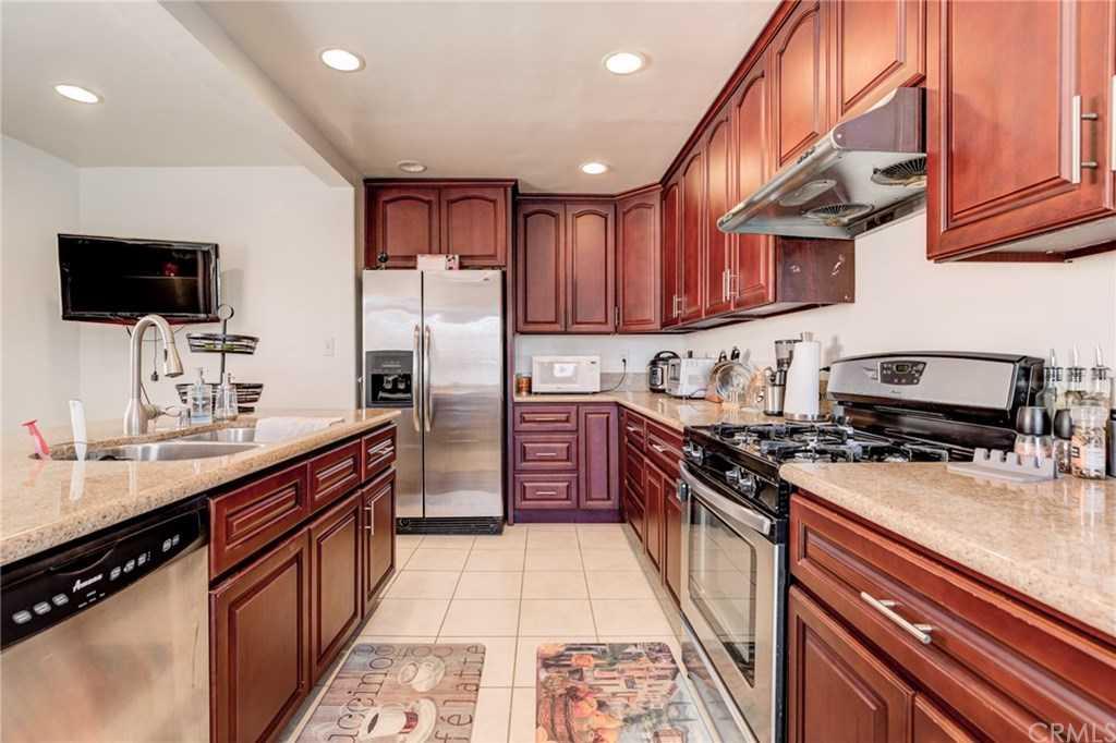 $4,950 - 3Br/2Ba -  for Sale in Manhattan Beach