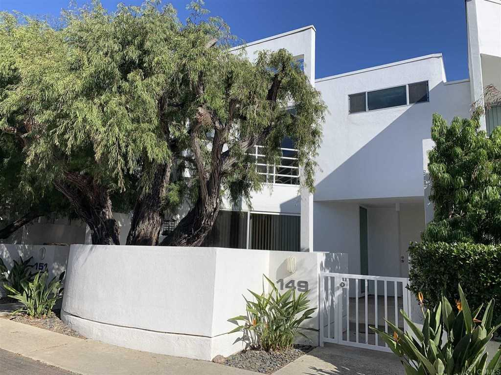 $1,249,000 - 2Br/3Ba -  for Sale in Cardiff By The Sea