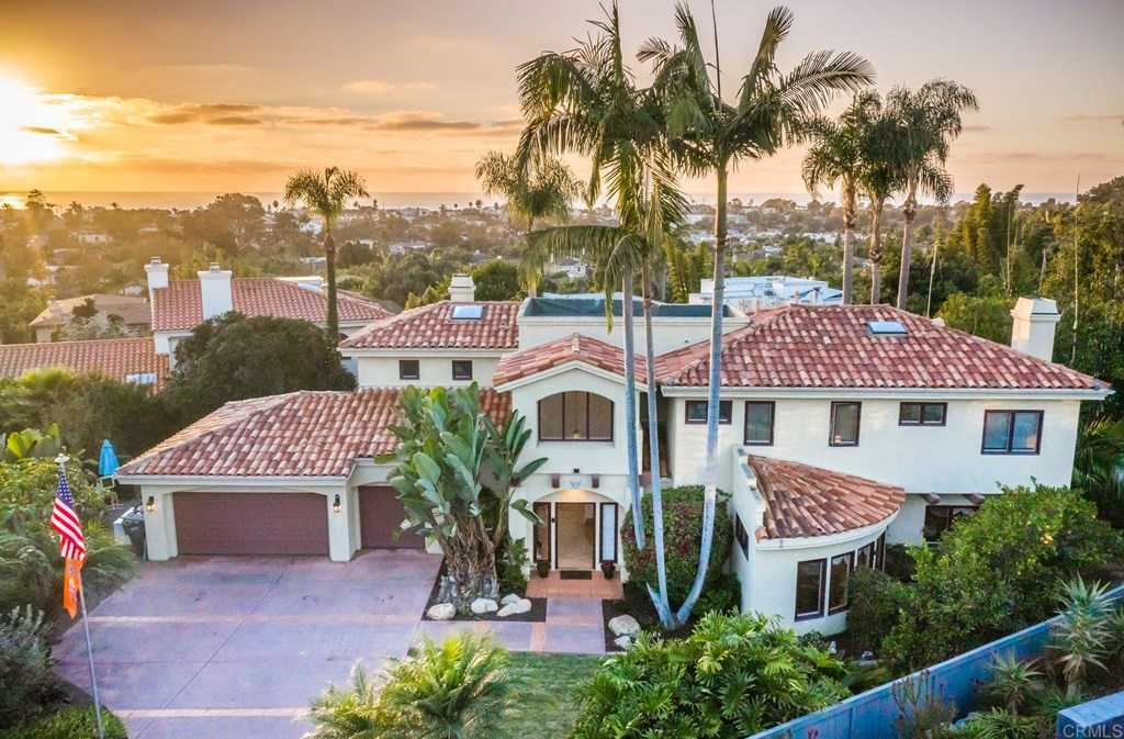 $2,499,000 - 4Br/4Ba -  for Sale in Encinitas